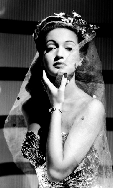 Dorothy Lamour tropical vintage style