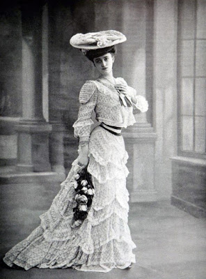 Retro vintage fashion 1900