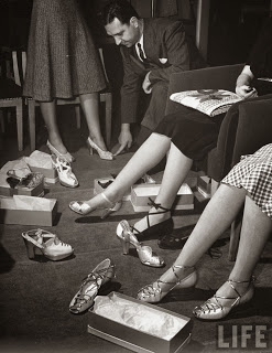1940s fashion history shoes heels