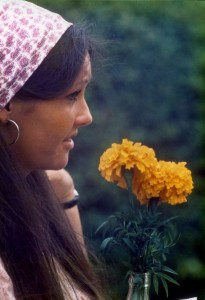 410px-1970s_girl_with_flower