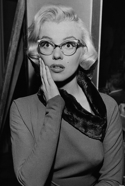 marilyn monroe wearing glasses