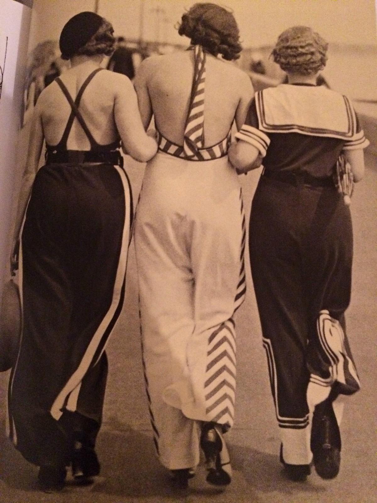 vintage 1930s fashion style
