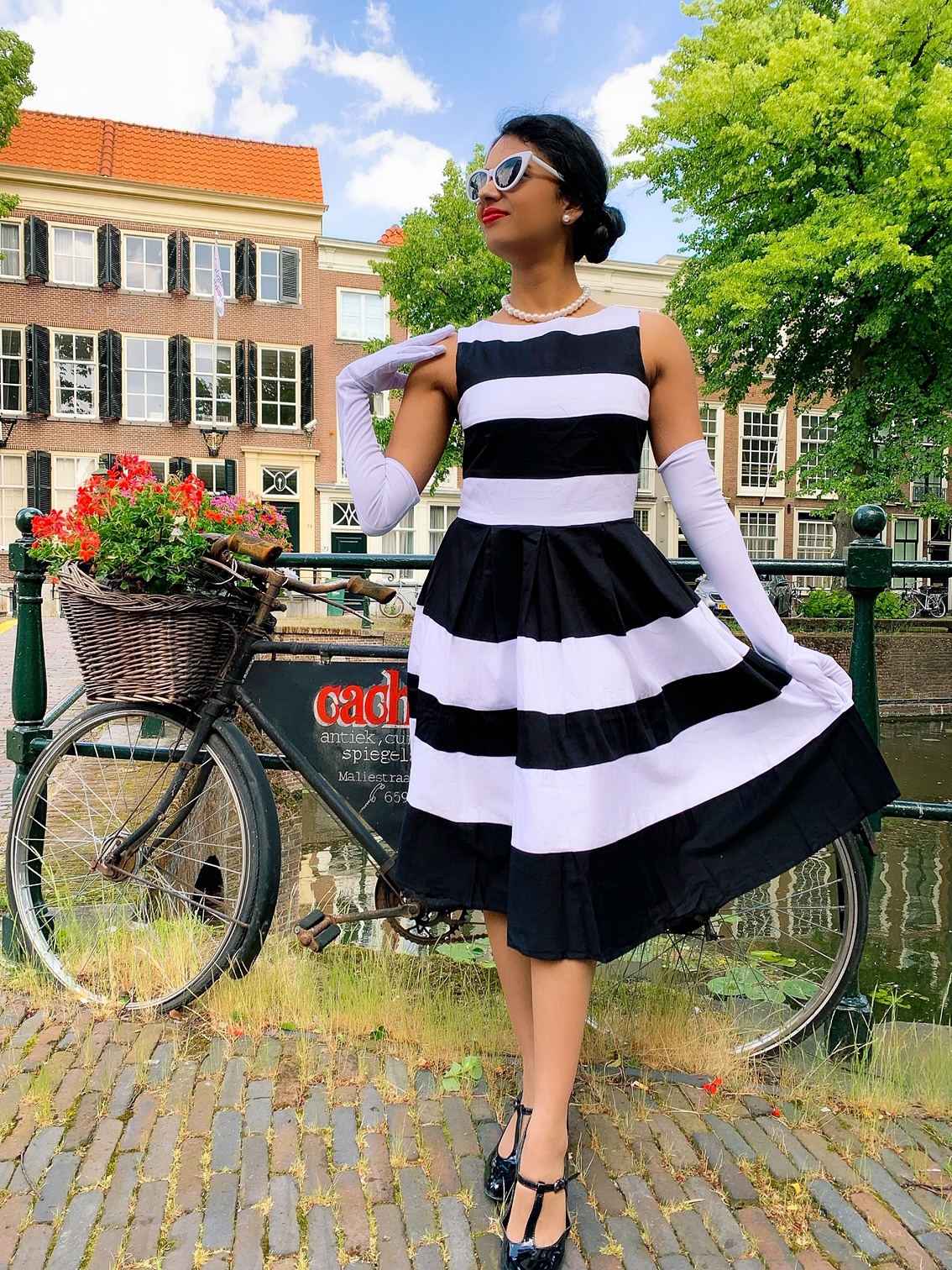 Dolly and Dotty dress_The Hague_vintage glamour