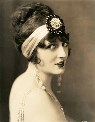 Retro vintage fashion 1920s
